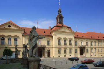 1. Brněnská ozvučná deska – Zahájení