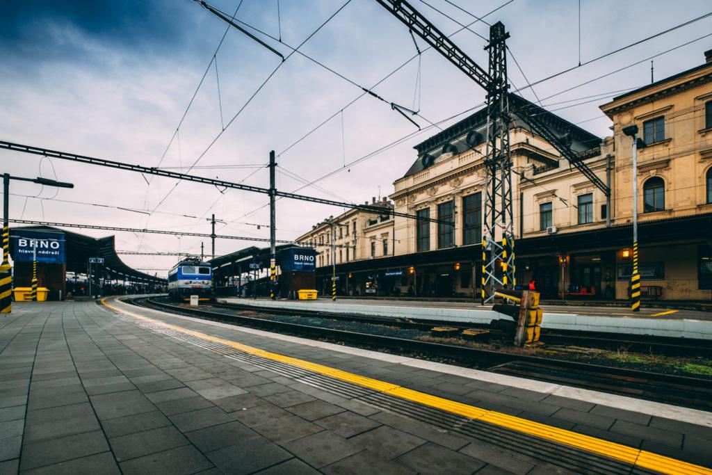 KAM s nádražím?
