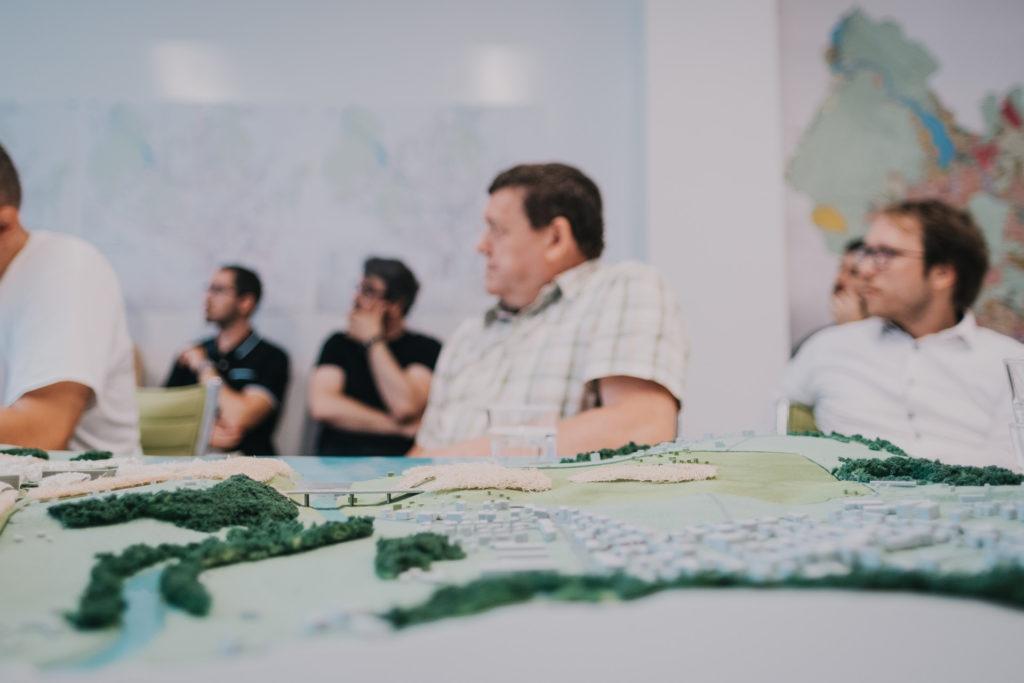 Představujeme tři podoby silnice X43 městským částem, v srpnu můžete přijít i na výstavu