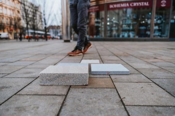 Kámen z Vysočiny i Jeseníků. Vybíráme novou dlažbu pro Českou a okolní ulice