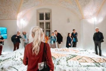 Pro velký zájem prodlužujeme otevírací dobu výstavy, přibyly i komentované prohlídky